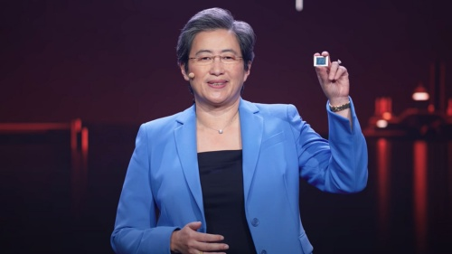 新製品の「Ryzen 5000シリーズ・モバイル・プロセッサー」を掲げるLisa Su氏