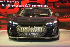 Audiの4ドアクーペタイプのEV「e-tron GT concept」