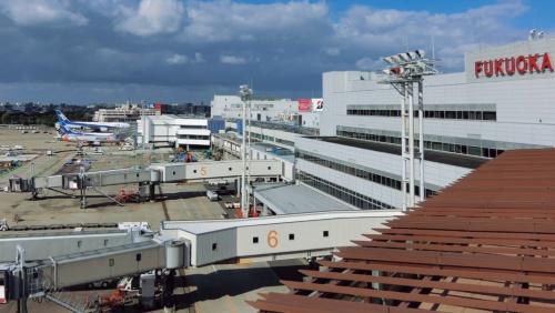 コンセッションが導入された空港の1つである福岡空港(写真:日経コンストラクション)