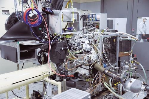 図1 日産のe-POWER用エンジン開発の試験装置