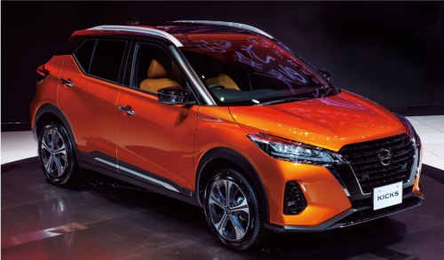 図1 小型SUVの新型「キックス」