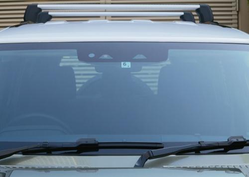 図2 新型車のステレオカメラ