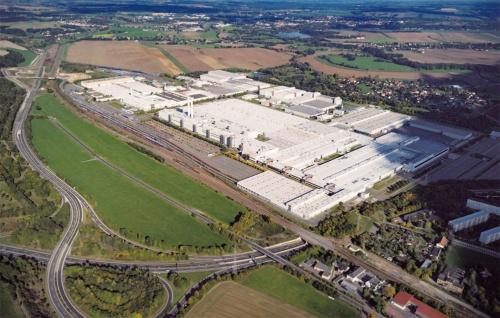 図1 「二酸化炭素ニュートラル」な電気自動車の組立工場