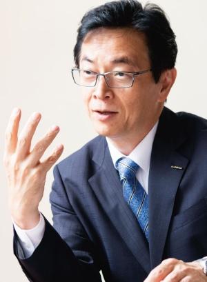 平井俊弘 (ひらい・としひろ)