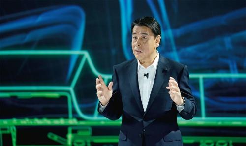 図1 アリアのワールドプレミアに登場した日産自動車社長兼CEO(最高経営責任者)の内田誠氏
