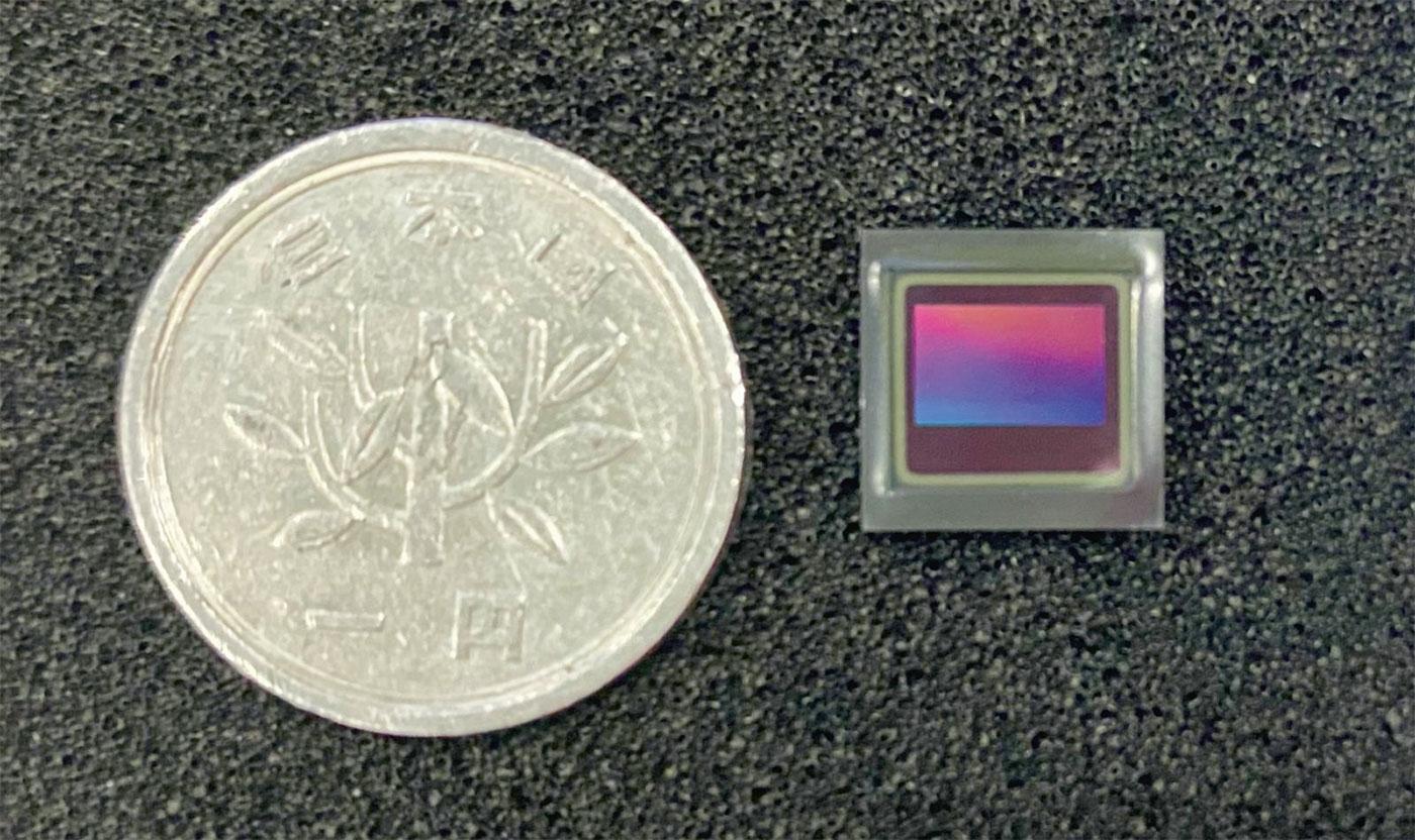 図2 ON Semiconductorのイメージセンサー 画素数が約230万の「AR0231」。SUBARU(スバル)が新型「レヴォーグ」に採用したもの。(出所:ON Semiconductor)