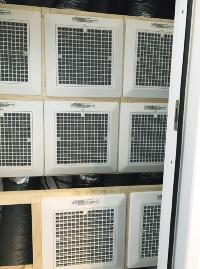 エアコンの冷気・暖気を各室につながるダクトに押し込むためのシロッコファン。風量を強、中、弱に切り替えることで室温を調節できる(写真:FHアライアンス)