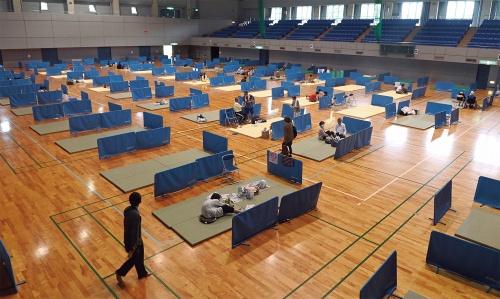〔写真1〕避難所にもリスク、改めて浮かぶ住宅性能の重要性