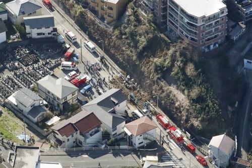 〔写真1〕マンション敷地内の斜面が突然崩れた