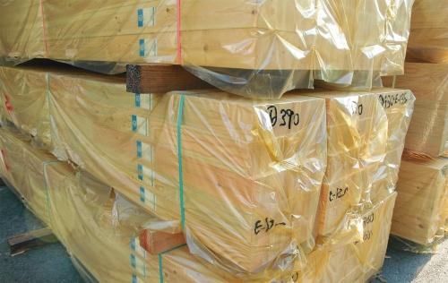 〔写真1〕輸入材が供給不足に