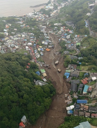 〔写真2〕延長約1km、最大幅約120mが被災