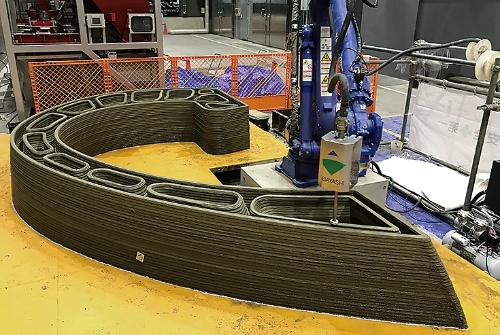 〔写真2〕産業用ロボットアームを活用