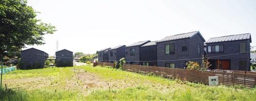 〔写真1〕宅地化が進む郊外立地