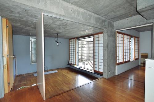 〔写真3〕区切って使われていた2階