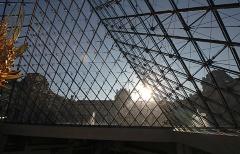 20. ルーブル美術館(I.M.ペイ、1993年)。グラン・プロジェの1つで、20世紀を代表するリノベーションの傑作(写真:日経アーキテクチュア)