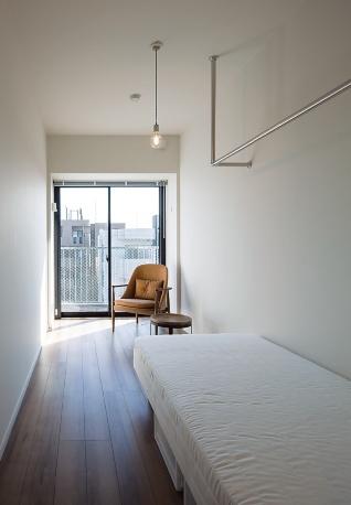 〔写真3〕眺望の良さと賃貸住戸同等の内装