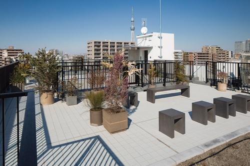 〔写真4〕屋上庭園は住民同士の交流の場