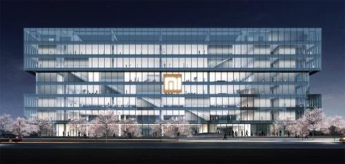 〔図1〕階段と回廊が透けて見えるガラスの箱