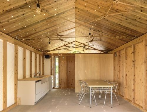 〔写真4〕CLTの構成材を用いて坪22万円で住宅