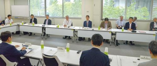 6月28日に開かれた外部有識者検討会(写真:日経アーキテクチュア)