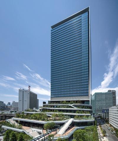 〔写真2〕ソフトバンクグループとその傘下企業が入居するオフィスタワー
