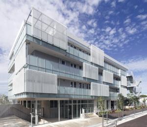 1階北東部のエントランス側外観(写真:安川千秋)