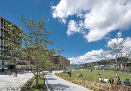 〔写真2〕塀がないオープンなキャンパス