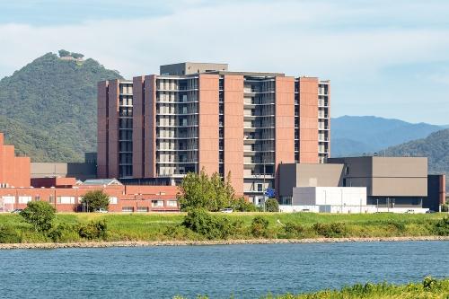 〔写真1〕新棟は浸水想定区域内に位置する
