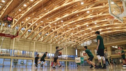 〔写真1〕地域に開いたスポーツ施設