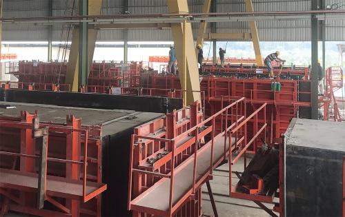 〔写真3〕マレーシアの工場でモジュールを製造