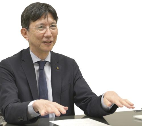 原田 哲夫氏