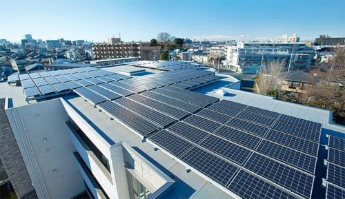 屋上に設置した太陽光発電(写真:積水ハウス)