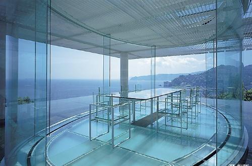 水/ガラス(静岡県熱海市、1995年)