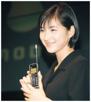 女優の広末涼子さんをCMに起用したiモード