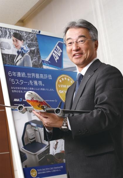 1957年生まれ。1981年東大工学部卒、全日本空輸入社。営業推進本部商品企画部主席部員、整備センター部品事業室長、上席執行役員調達部長などを経て2018年4月から現職。東京オリンピック・パラリンピック推進本部 副本部長も兼任する。(写真:陶山 勉)