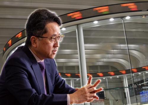 2005年のシステム障害では現場の課長として対応に追われた横山氏。今回の障害をCIOとして振り返る(写真:北山 宏一)