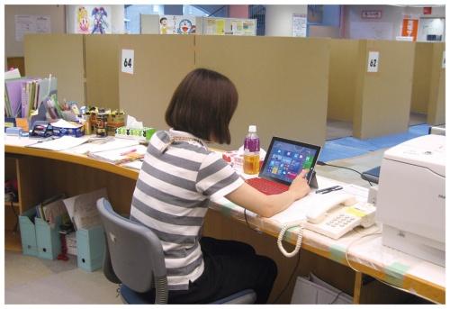 日本マイクロソフトは熊本地震の際、避難所や自治体に「Surface」を配布した(写真提供:日本マイクロソフト)