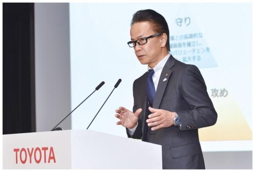 コネクテッド戦略の現状を説明する友山茂樹トヨタ副社長(2019年2月)