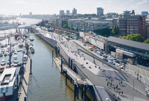 写真3■ 東側の1期工事で完成した区間を南東から望む。左手にマリーナ、右手に高架になった地下鉄3号線のバウムバル駅がある(写真:Piet Niemann)