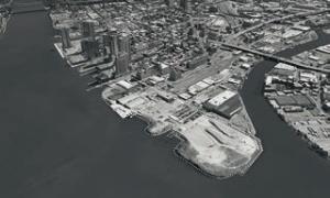 写真5■ 写真左側を流れるイーストリバーと写真右側の入り江(ニュータウンクリーク)に挟まれた沿岸部が、ハンターズ・ポイント・サウス再開発プロジェクトの範囲(写真:SWA/Balsley and WEISS/MANFREDI)