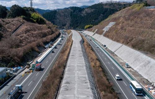 土工部の工事を上から撮影(写真:車田 保)