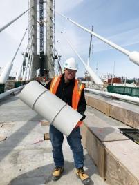 写真5■ 斜張橋ケーブルの被覆材。30cm間隔で環状の突起を設け、ケーブルに付着した氷が大きくなる前に安全に落ちるようにした(写真:カナダ・インフラ省)