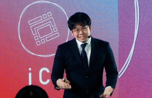写真2■ プルートスの菅野朋典社長。自社の技術を生かしたプランについて熱弁を振るった(写真:日経コンストラクション)