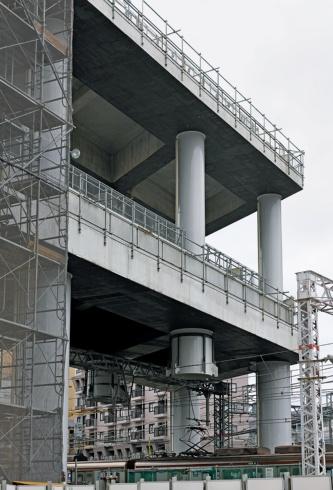 5⃣ 高架橋の一部は鋼・コンクリートの複合構造だ(写真:生田 将人)