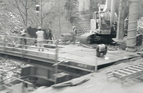 写真1■ 伊藤は市街地から離れ、土地勘がない地方の現場に配属された。写真はイメージ(写真:日経コンストラクション)