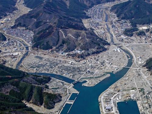 東日本大震災で被災した後の2011年4月時点(写真:安藤ハザマ・植木組・伊藤組土建・南建設JV)