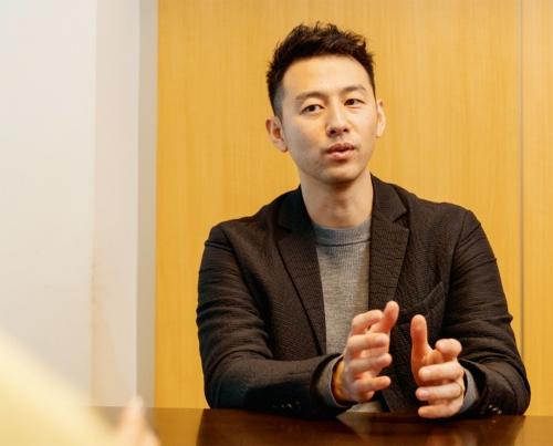 写真1■ Laboro.AIを立ち上げた椎橋徹夫代表取締役CEO。「テクノロジーとビジネスをつなぐ」AI技術サービスを展開。産業にイノベーションを起こすことが目標だ(写真:Laboro.AI)