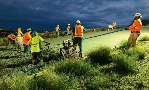 写真1■ ハワイ州の高速道路のコンクリート舗装にカーボンキュアの技術を利用した(写真:カーボンキュア)