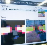 画像とそのナレーションを学習することで「ブランコ」と発話するとその箇所が画像中に示される