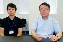 今回の研究開発に携わった東京工業大学 元素戦略研究センター 助教の金正煥氏(左)と同センター長で栄誉教授・特命教授の細野秀雄氏(右)